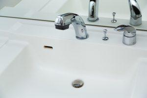 clean - 洗面台のザラザラの正体は水アカ!処理方法を解説します